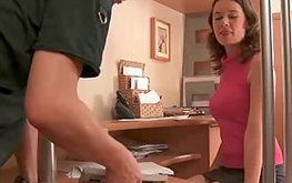 Hot babe finally exposes her pussy to her kinky boyfriend